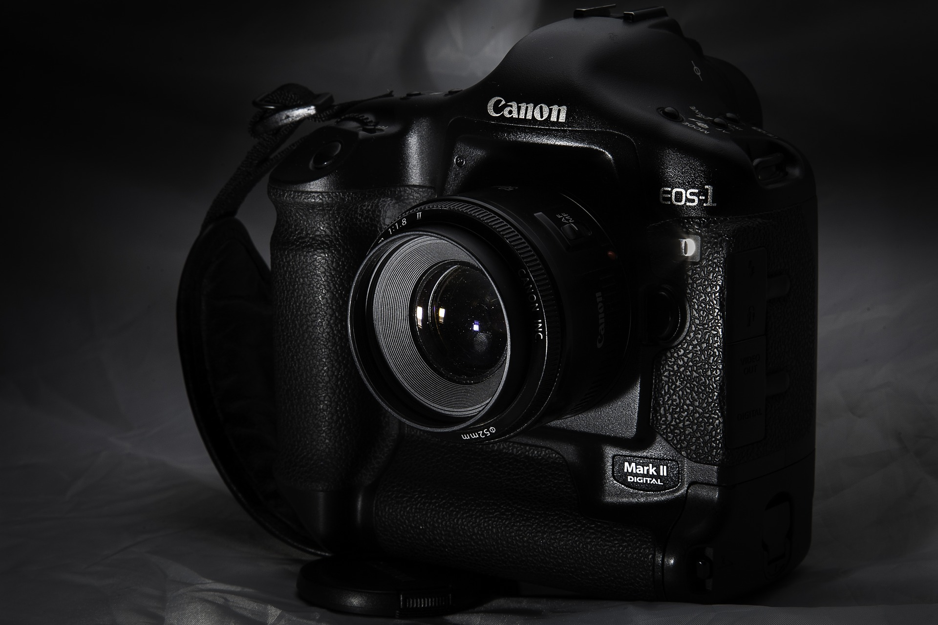 canon-1275642_1920